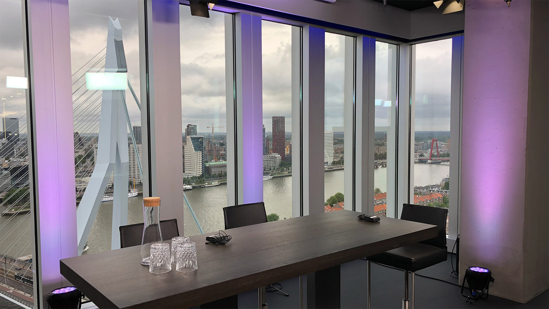 Studio huren Rotterdam | SHH Productions | studio 2 interview setup | close